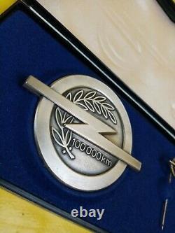 Nouveau + Original Vauxhall Badge 100000 Km Kilométrage